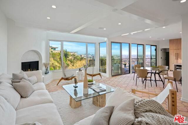 1680 Mountcrest Ave, Los Angeles, CA 90069 (MLS #21-683492) :: Hacienda Agency Inc