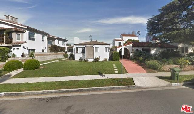 10513 Ayres Ave, Los Angeles, CA 90064 (#21-684080) :: Randy Plaice and Associates