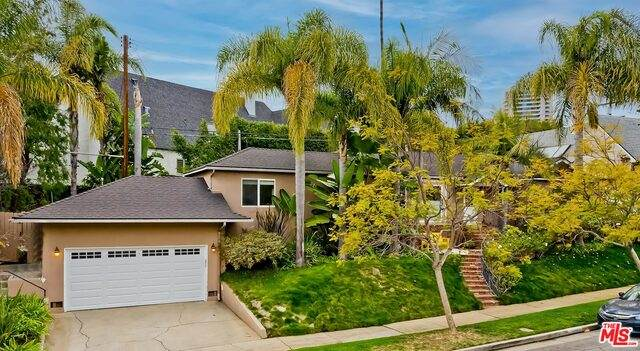 1415 Holmby Ave, Los Angeles, CA 90024 (#21-684350) :: Lydia Gable Realty Group