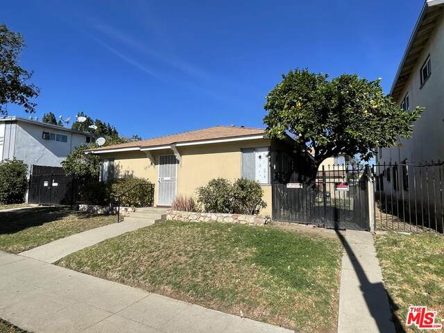 18139 Roscoe Blvd, Northridge, CA 91325 (#21-684424) :: Randy Plaice and Associates