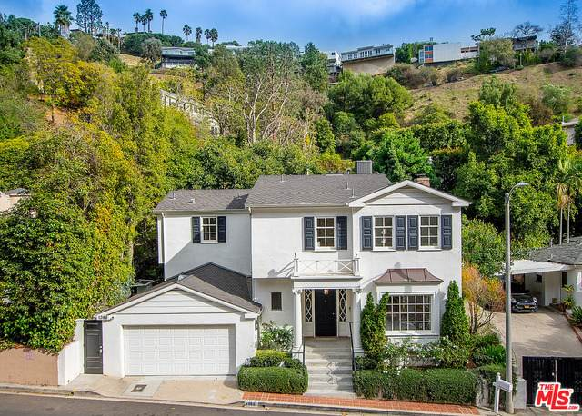 1366 San Ysidro Dr, Beverly Hills, CA 90210 (MLS #21-684602) :: The Sandi Phillips Team