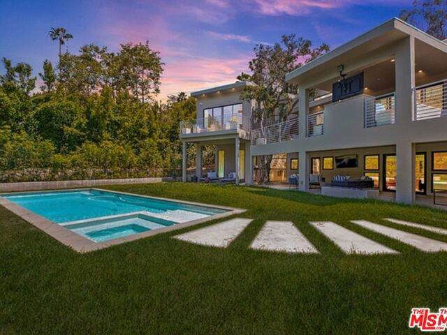 1085 Carolyn Way, Beverly Hills, CA 90210 (#21-684966) :: TruLine Realty