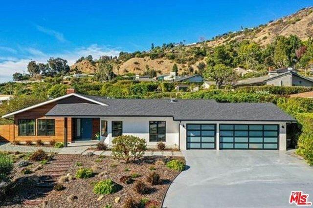 20413 Roca Chica Dr, Malibu, CA 90265 (#21-684972) :: The Pratt Group