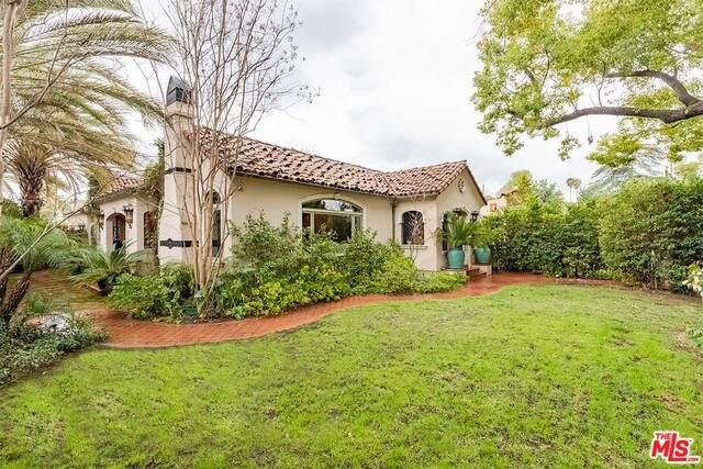 1692 N Los Robles Ave, Pasadena, CA 91104 (#21-685096) :: The Grillo Group
