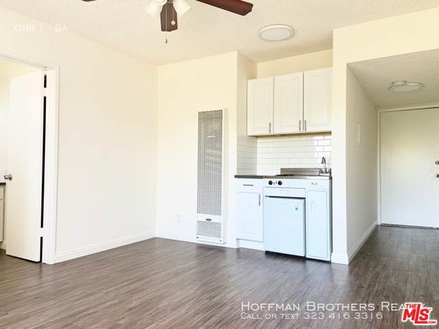 140 Hoover St - Photo 1