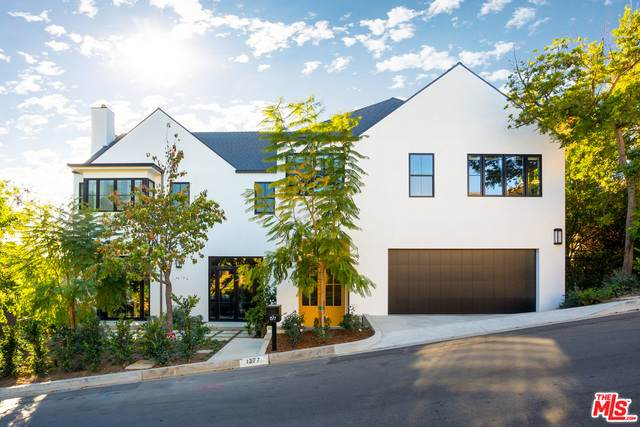 1377 Casiano Rd, Los Angeles, CA 90049 (#21-685254) :: The Pratt Group