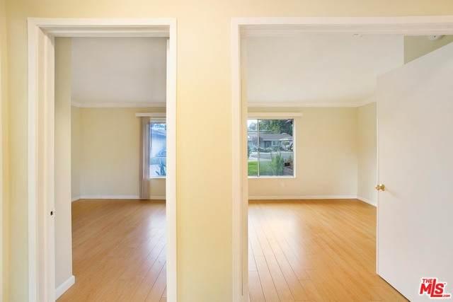 4942 Wilkinson Ave, Valley Village, CA 91607 (MLS #21-685440) :: The John Jay Group - Bennion Deville Homes