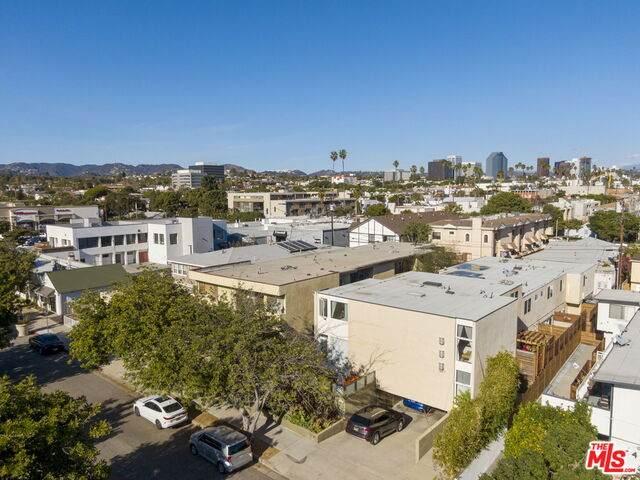 1427 25Th St #4, Santa Monica, CA 90404 (#21-685772) :: The Pratt Group