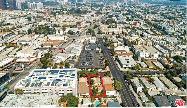 1467 Wellesley Ave, Los Angeles, CA 90025 (#21-685976) :: Amazing Grace Real Estate | Coldwell Banker Realty
