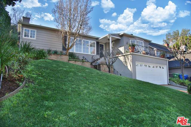 10378 Lorenzo Dr, Los Angeles, CA 90064 (#21-686036) :: The Grillo Group