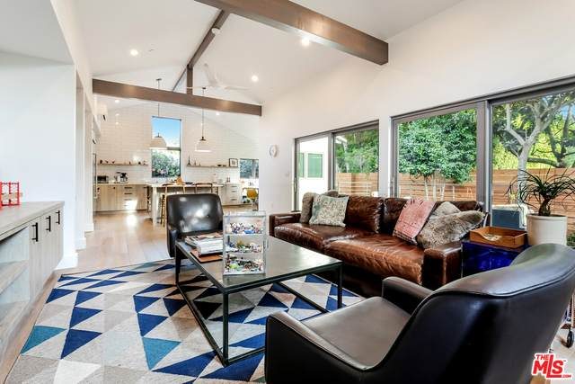 10720 Ayres Ave, Los Angeles, CA 90064 (#21-687300) :: The Grillo Group