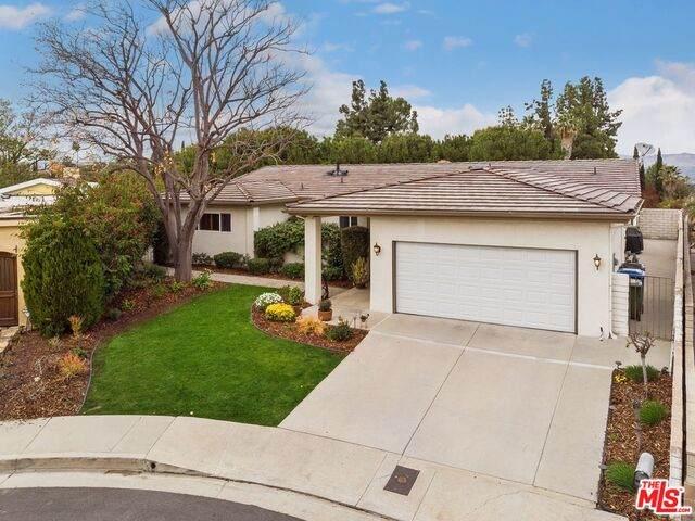 20313 Strelna Pl, Woodland Hills, CA 91364 (#21-687560) :: Randy Plaice and Associates