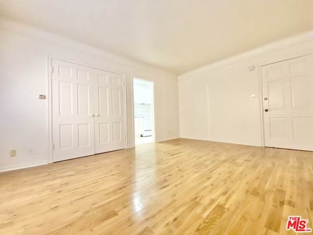 725 Mansfield Ave - Photo 1