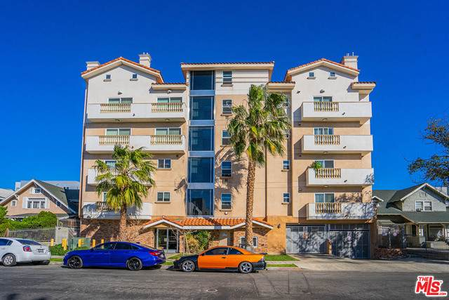 1026 S Oxford Ave #504, Los Angeles, CA 90006 (#21-688442) :: Berkshire Hathaway HomeServices California Properties