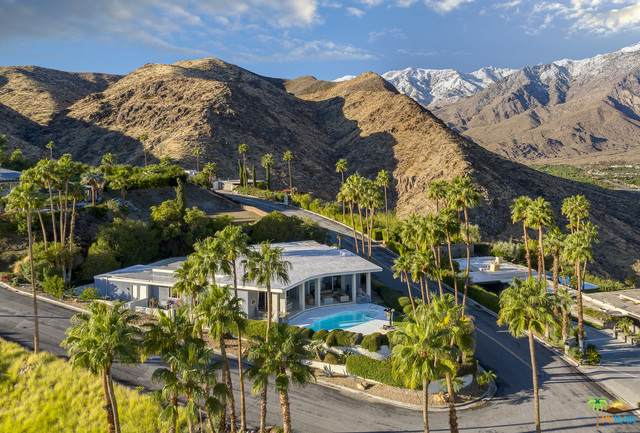 2432 Southridge Dr, Palm Springs, CA 92264 (#21-689150) :: The Grillo Group