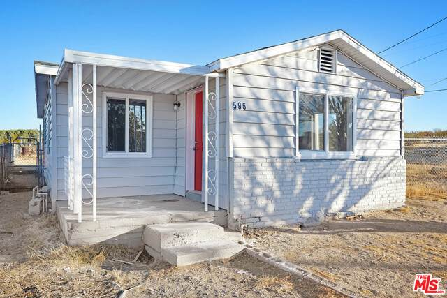 595 Valley Ave, Barstow, CA 92311 (#21-689828) :: The Grillo Group