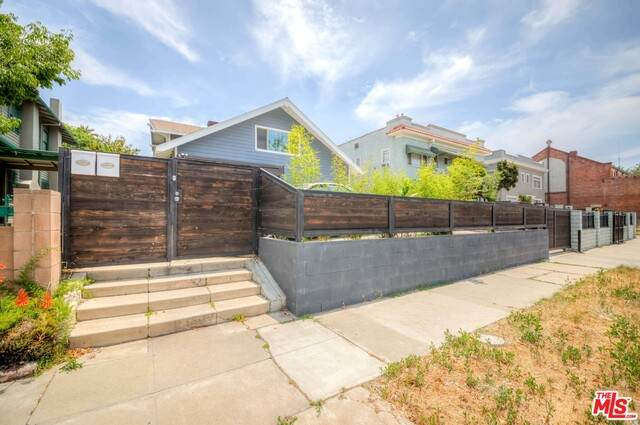 1828 Van Ness Ave - Photo 1