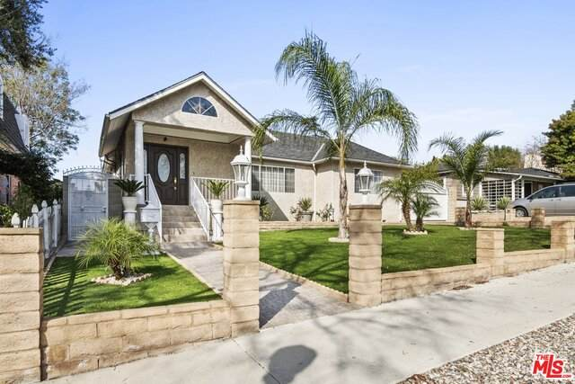 413 E Grinnell Dr, Burbank, CA 91501 (#21-690164) :: Berkshire Hathaway HomeServices California Properties
