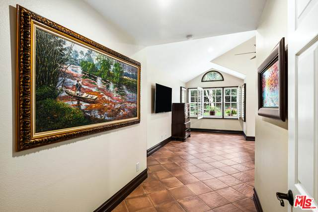 5653 Brookmont Terrace Ct, Westlake Village, CA 91362 (#21-690910) :: TruLine Realty