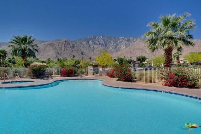 972 Mira Grande, Palm Springs, CA 92262 (#21-691426) :: Berkshire Hathaway HomeServices California Properties