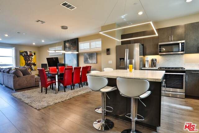 2700 E Chaucer St #21, Los Angeles, CA 90065 (#21-691526) :: The Grillo Group