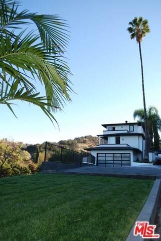 4060 Camino De La Cumbre, Sherman Oaks, CA 91423 (#21-692718) :: HomeBased Realty