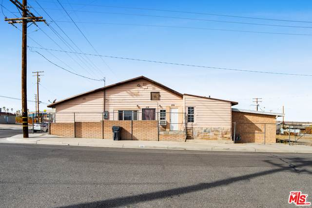 206 N 6Th Ave, Barstow, CA 92311 (#21-693028) :: The Grillo Group