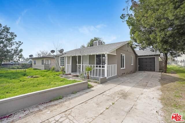 6954 Glasgow Ave, San Bernardino, CA 92404 (#21-693146) :: The Grillo Group