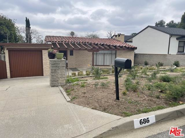 686 Fairview Ave, Sierra Madre, CA 91024 (#21-693302) :: The Parsons Team