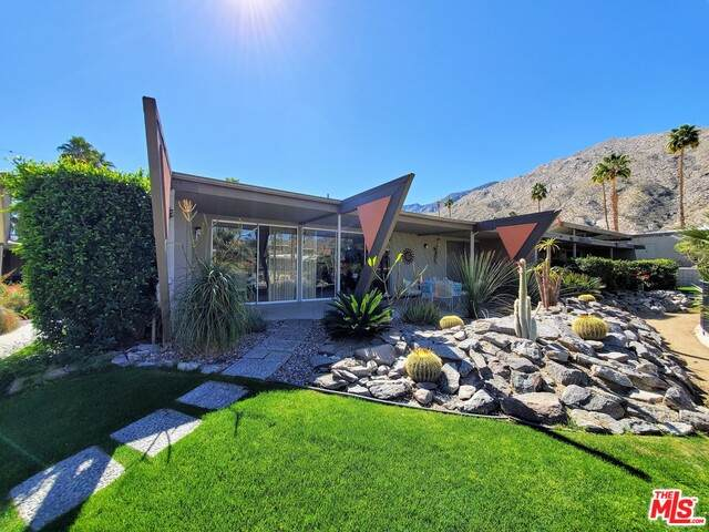 115 E Twin Palms Dr, Palm Springs, CA 92264 (#21-693376) :: The Grillo Group