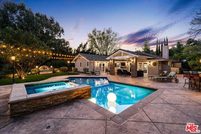 4688 Cerrillos Dr, Woodland Hills, CA 91364 (#21-693478) :: The Grillo Group