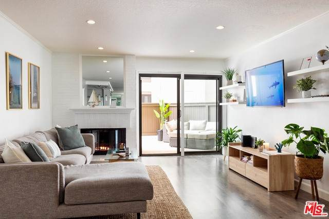 8512 Tuscany Ave #209, Playa Del Rey, CA 90293 (#21-694386) :: The Grillo Group