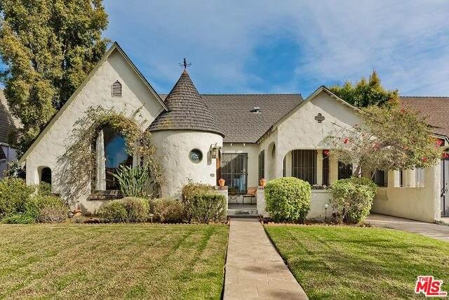 1322 S Genesee Ave, Los Angeles, CA 90019 (MLS #21-694400) :: The Sandi Phillips Team