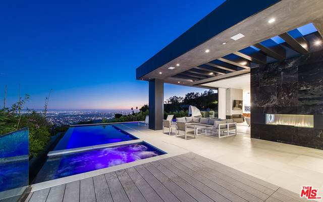1814 Marcheeta Pl, Los Angeles, CA 90069 (#21-694890) :: The Grillo Group