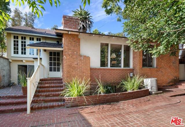 10517 Cheviot Dr, Los Angeles, CA 90064 (#21-695052) :: The Grillo Group