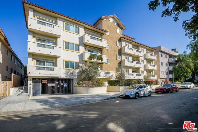 4742 Sepulveda Blvd, Sherman Oaks, CA 91403 (#21-695318) :: The Grillo Group