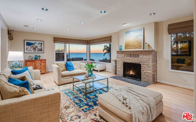 220 Rees St, Playa Del Rey, CA 90293 (#21-695744) :: The Grillo Group