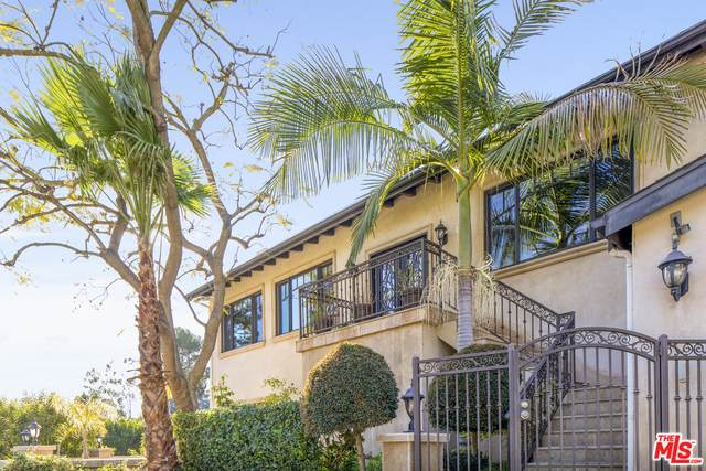 9401 Cherokee Ln, Beverly Hills, CA 90210 (#21-696188) :: The Grillo Group