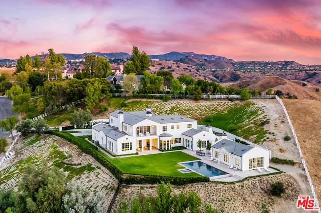 5545 Dixon Trail Rd, Hidden Hills, CA 91302 (#21-696274) :: Berkshire Hathaway HomeServices California Properties