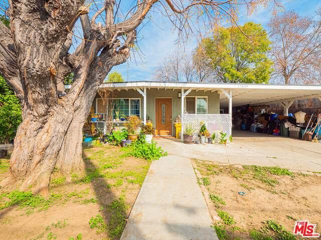 15809 Clarkgrove St, Hacienda Heights, CA 91745 (#21-696452) :: Berkshire Hathaway HomeServices California Properties