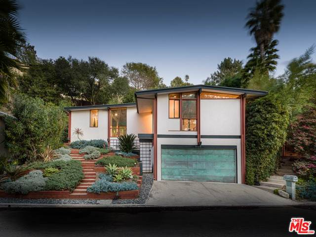 5660 Valley Oak Dr, Los Angeles, CA 90068 (#21-696490) :: The Grillo Group