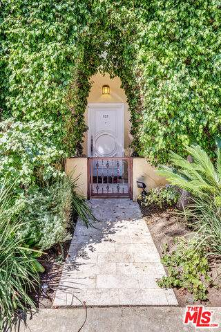 11803 Goshen Ave #101, Los Angeles, CA 90049 (#21-696618) :: The Grillo Group