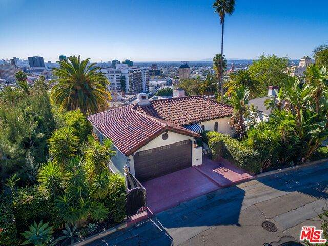 6620 Whitley Ter, Los Angeles, CA 90068 (#21-697312) :: Lydia Gable Realty Group