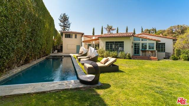 332 N Tigertail Rd, Los Angeles, CA 90049 (#21-697422) :: The Grillo Group
