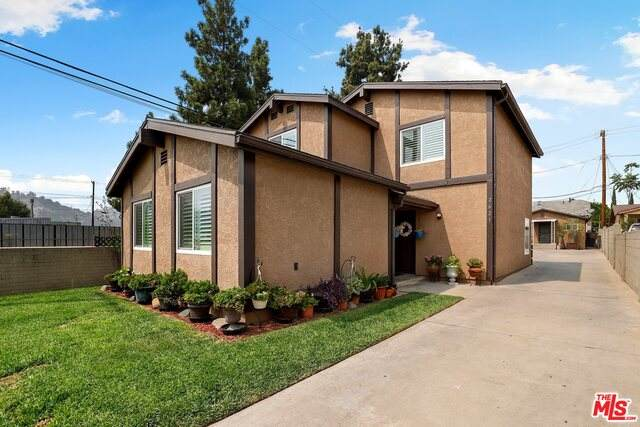2623 Roseview Ave, Los Angeles, CA 90065 (#21-697598) :: The Grillo Group