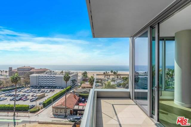 1755 Ocean Ave Ph9c, Santa Monica, CA 90401 (MLS #21-697754) :: The Sandi Phillips Team