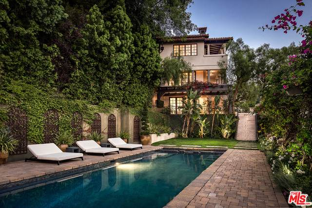 2670 Bowmont Dr, Beverly Hills, CA 90210 (#21-697838) :: The Grillo Group