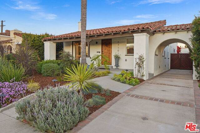 1710 S Garth Ave, Los Angeles, CA 90035 (#21-697842) :: The Grillo Group