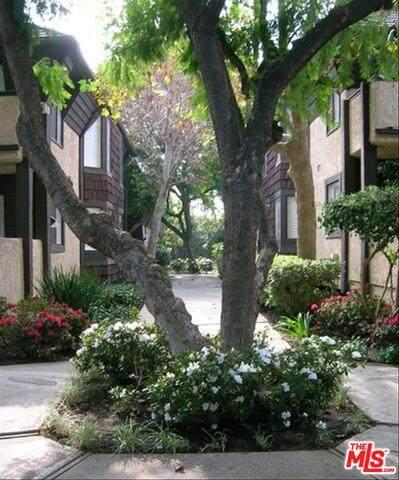 15050 Sherman Way #227, Van Nuys, CA 91405 (#21-698036) :: Lydia Gable Realty Group