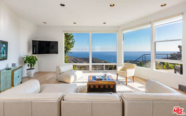 21764 Castlewood Dr, Malibu, CA 90265 (#21-698104) :: Lydia Gable Realty Group